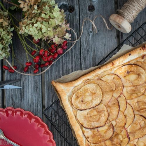 Apfel-Marzipan-Tarte, einfache und schnelle Tarte mit Blätterteig und einer Marzipancreme / Apple marcipan tarte, easy and quick cake with puff pastry and a marcipan creme [wienerbroed.com]