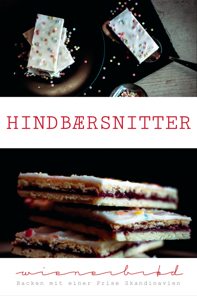 Hindbærsnitter, typisch dänische Himbeerschnitten aus Mürbeteig mit Himbeermarmelade und Zuckerguss / Hindbærsnnitter, typical Danish shortpastry with raspberry jam and icing [wienerbroed.com]