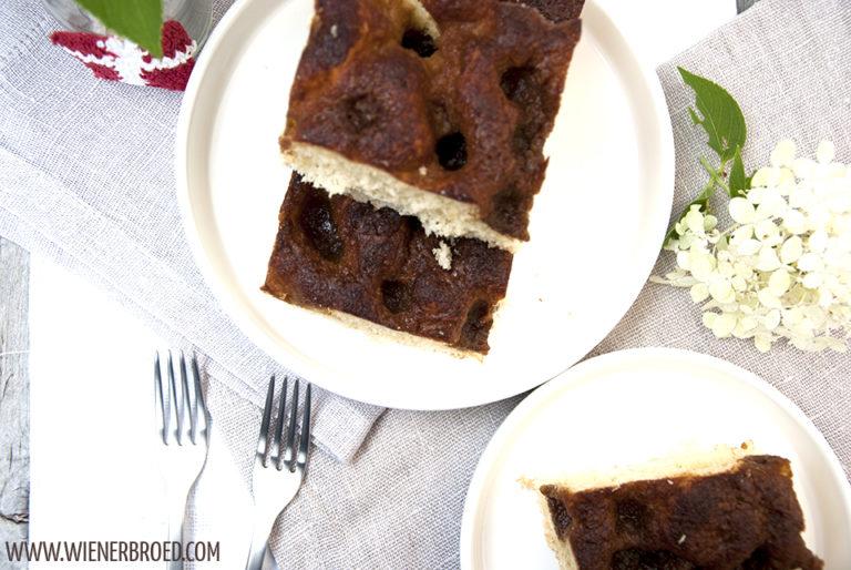 Brunsviger - traditioneller dänischer Kuchen mit Zuckerkruste / Brunsviger - traditional Danish cake with sugar crust [wienerbroed.com] Fluffig aber doch mächtig, vor Allem mächtig lecker / Fluffy but thick and veeery tasty
