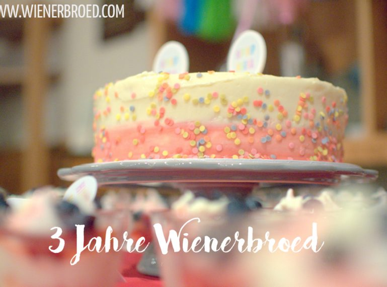 Happy Birthday! 3 Jahre Wienerbrød! {Funfetti-Torte}
