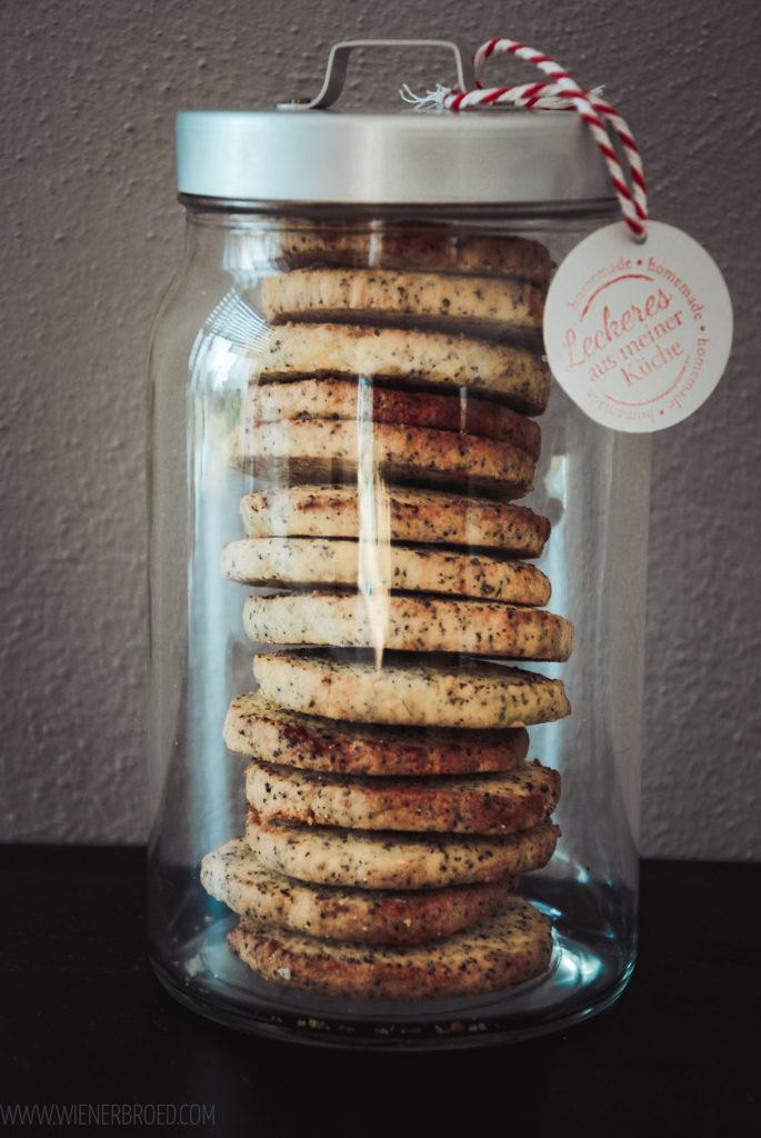 Zitrone-Mohn-Kekse, herrlich mürbe Kekse mit leckerem Mohn und dem frischen Geschmack von Zitronen / Lemon poppy cookies [wienerbroed.com]