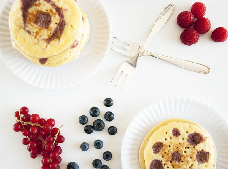 Rote Grütze für den Frühstückstisch {Rote-Grütze-Pancakes}