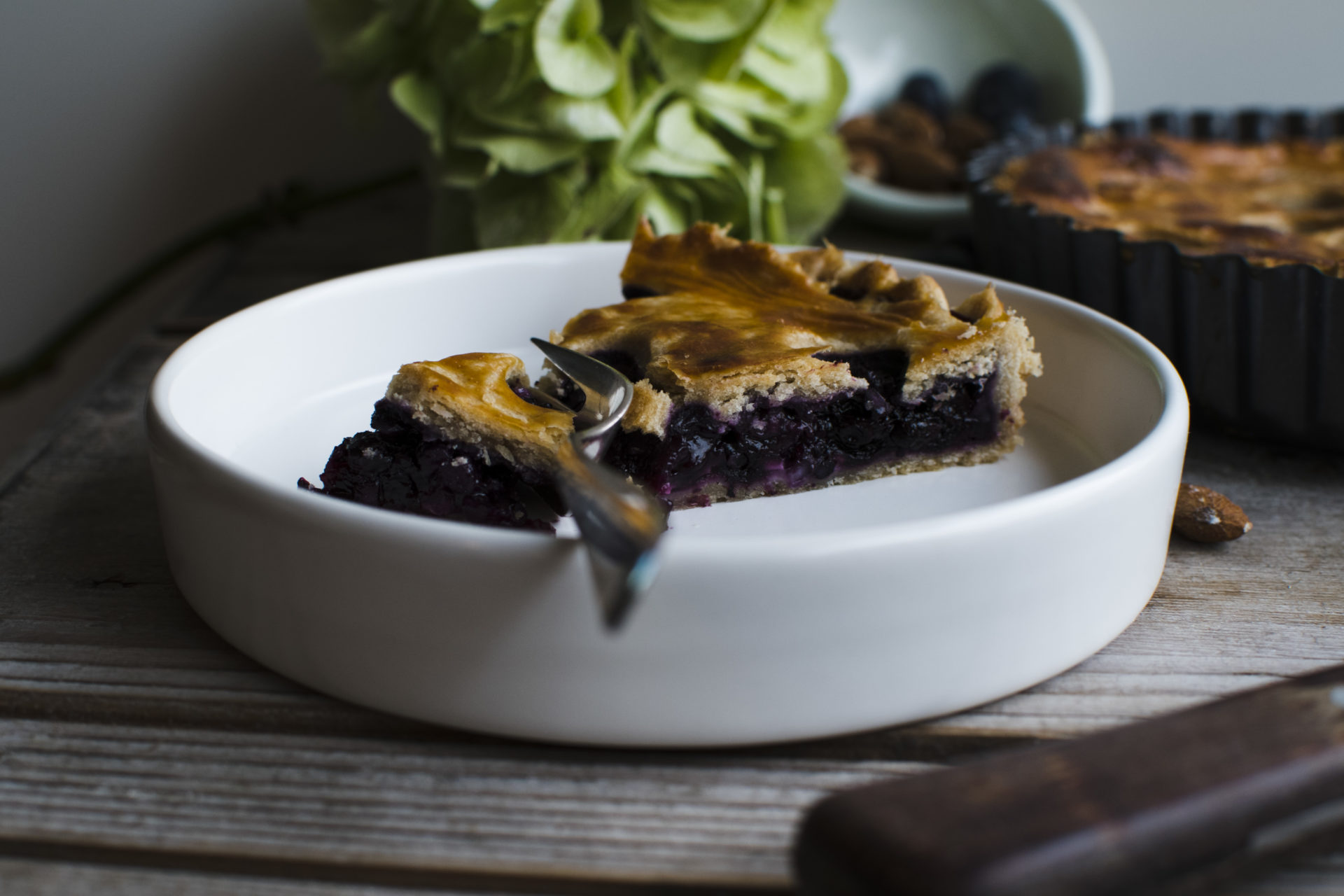 Blaubeer-Mandel-Pie /Blueberry almond pie [wienerbroed.com] Das perfekte Soulfood für Schmuddelwetter / the perfect soulfood for lousy weather