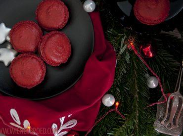 Heute geht es zu einem Gastpost von mir, den ich für den diesjährigen The Sugarprincess Christmas Cookie Club von Yushka geschrieben habe. Sie macht seit Jahren einen kulinarischen Adventskalender auf ihrem Blog Sugarprincess, und dieses Jahr durfte ich dabeisein. Klar, dass es da ein skandinavisch angehauchtes Rezept von mir gab: Glögg-Macarons! Zum Rezept geht es […]