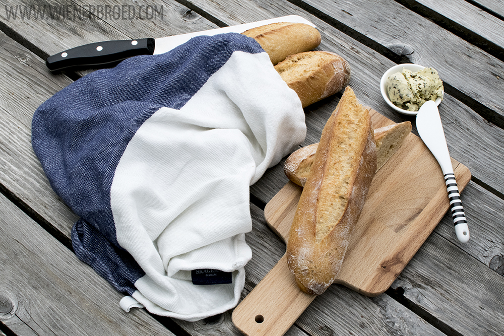 Süßkartoffel-Baguette, saftig und knusprig, perfekt zum Grillen / Sweet potato bagueete, juicy and crispy, perfect for BBQ [wienerbroed.com]