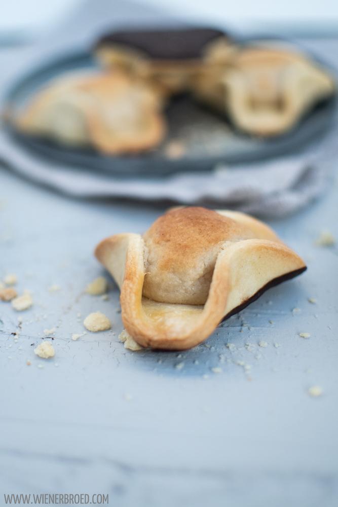 Napoleonshut - dänischer Gebäckklassiker aus Mürbeteig und Marzipan / Napoleons hat - Danish pastry classic with shortcrust and marcipan [wienerbroed.com] - Napoleonshut