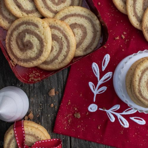 Zimtschnecken-Kekse, knusprige Kekse, die schmecken und sehen aus wie Zimtschnecken / Cinnamon bin cookies, crispy cookies that taste and look like cinnamon buns [wienerbroed.com]
