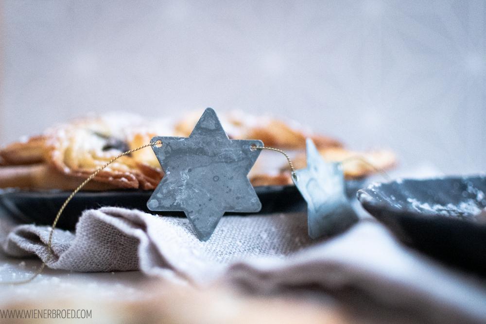 Joulutorttu, finnische Weihnachtskuchen, Plunderteilchen mit Pflaumenmus / Joulutorttu, Finnish Christmas cake, Danish with plum jam [wienerbroed.com]