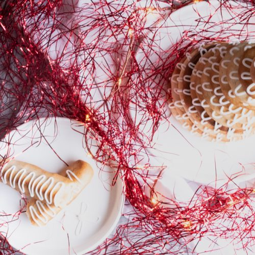 Kransekage, klassisches dänisches Marzipangebäck zu Silvester / Kransekage, classic Danish marcipan pastry, traditional for New Year's Eve [wienerbroed.com]