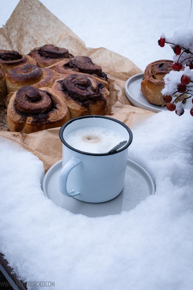 Bostonkakku, finnischer Zimtschnecken-Kuchen, herrlich saftig und fluffig / Bostonkakku, Finnish Cinnamon bun cake, fluffy and moist [wienerbroed.com]