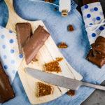 Mandelkrokant-Riegel, selbstgemacht, schmeckt aber wie Daim / Almond crocant bar, taste like Daim [wienerbroed.com]