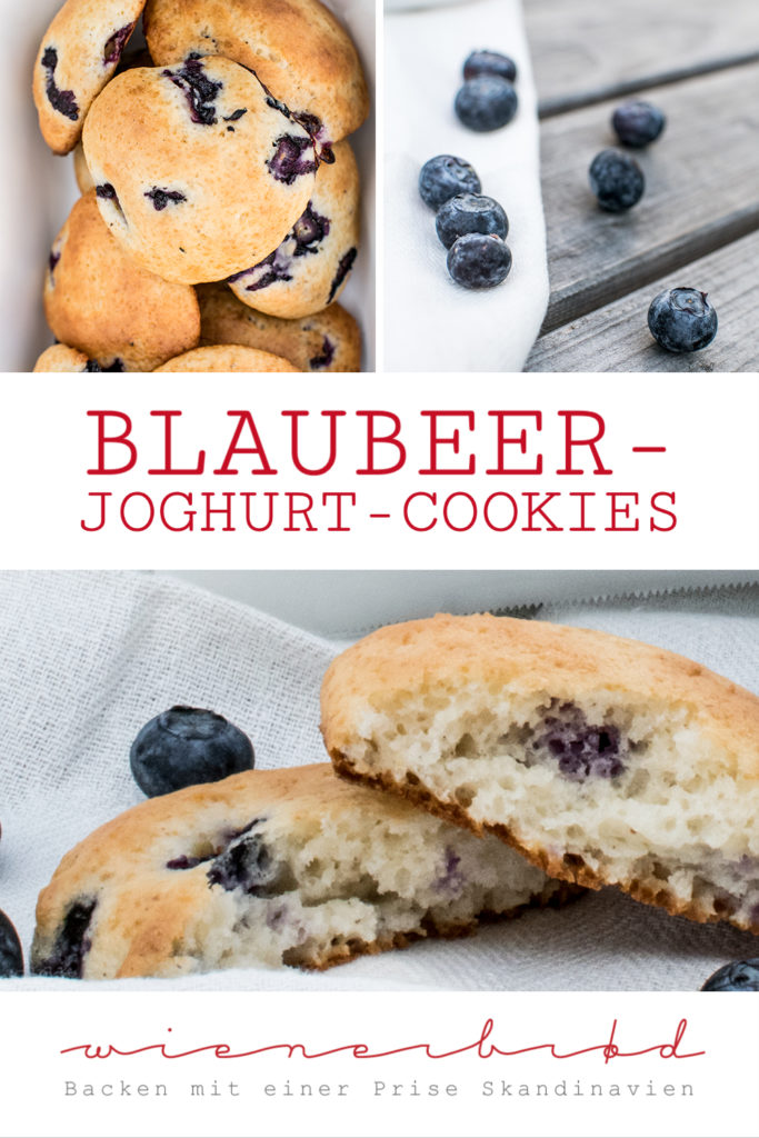 Rezept für Blaubeer-Joghurt-Cookies, saftige, fluffige Riesencookies mit griechischem Joghurt und Heidel- oder Blaubeeren / Blueberry yoghurt cookies [wienerbroed.com]